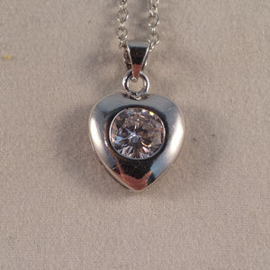 Jewelry - Silver Love Heart Zircon Pendant Chan Necklace!
